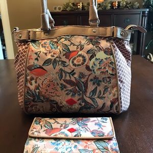 Oilily fall bag with removable shoulder strap